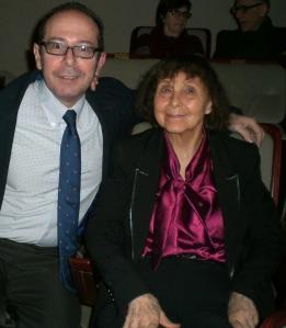 El autor de este blog junto a Sofía Gubaidulina, en fotografía tomada en la sala de cámara del Auditorio Nacional de Madrid el 13.03.2013