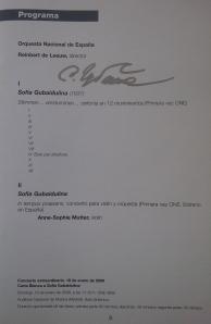 Programa de mano autografiado por Sofía Gubaidulina del concierto que tuvo lugar en Madrid el 18.01.2009 con la Orquesta Nacional de España bajo la dirección de Reinbert de Leeuw y con Anne-Sophie Mutter como solista.