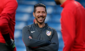 Diego Simeone takes Atlético Madrid training